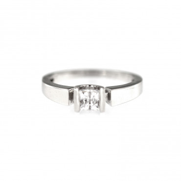 White gold engagement ring DBS01-09-03